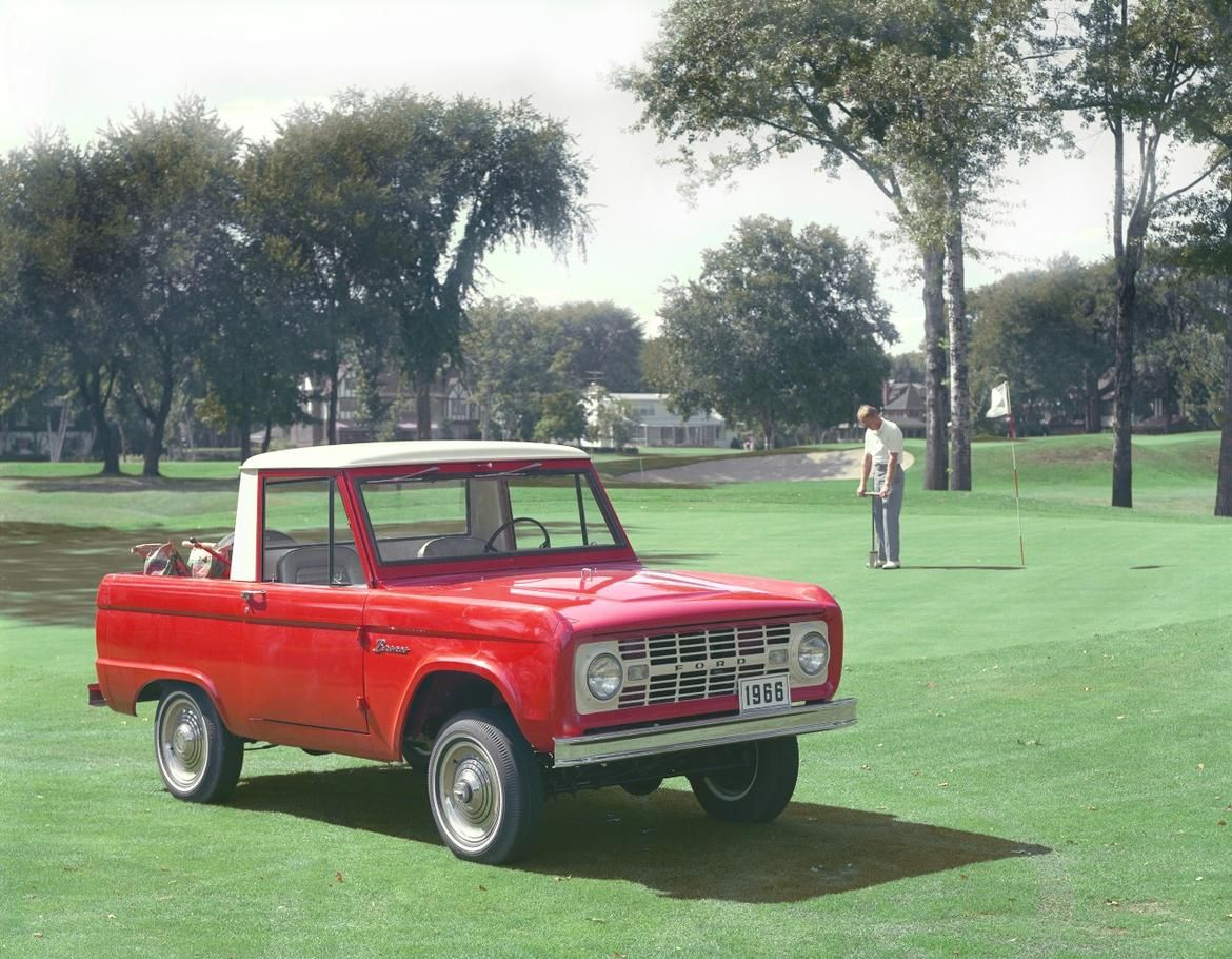 The 25 Most Gq Cars Of All Time Classic Ford Broncos Ford