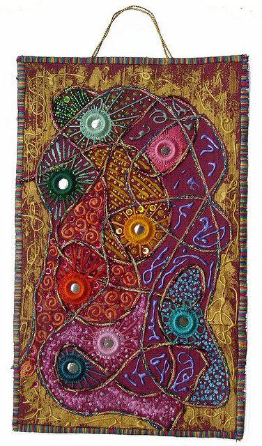 I ❤ the beadwork & embroidery . . . Shisha 4
