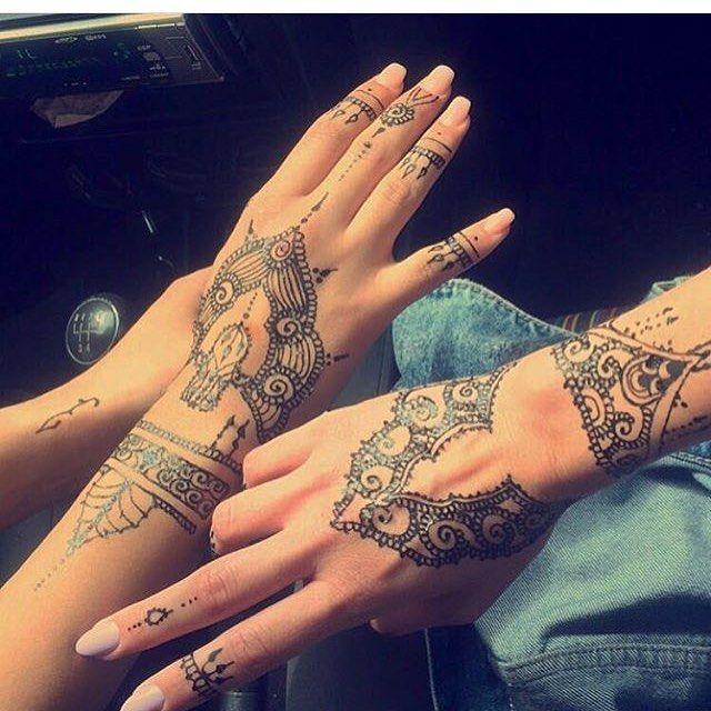 حناء حنتي حنه حنى حنايات حنايه نقش نقوش نقشات كشخه العيد صالون صالونات نقش الحنا ابوظبي دبي Hena 7en Hand Henna Hand Tattoos Henna Hand Tattoo
