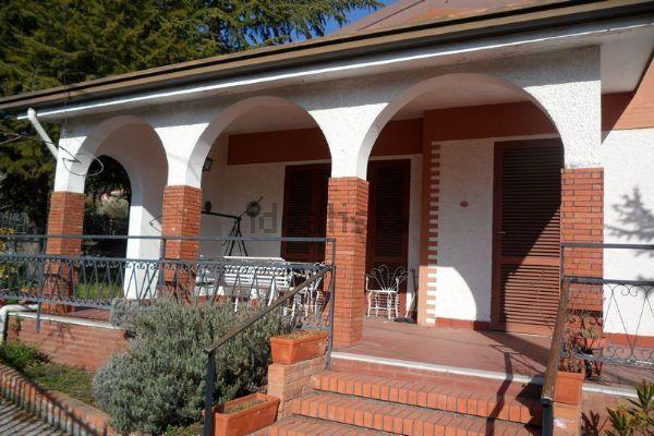 Villa in vendita in via san Nicola, Nicolosi — idealista