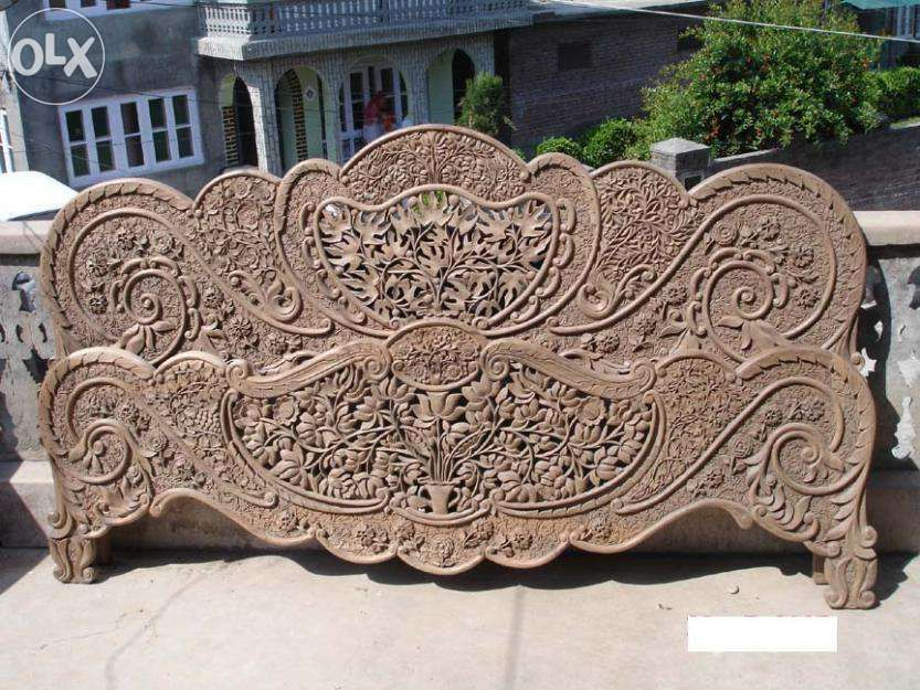 Kashmiri Style Walnut Handcrafted Bed Muzaffarabad Furniture Classic Furniture