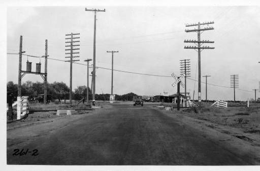 L A County Highway Grade Crossing With Central Avenue And A T S F Ry East Of La Mirada Los Angeles County 1925 Automobile Club Of Southern Californ 画像あり 線路