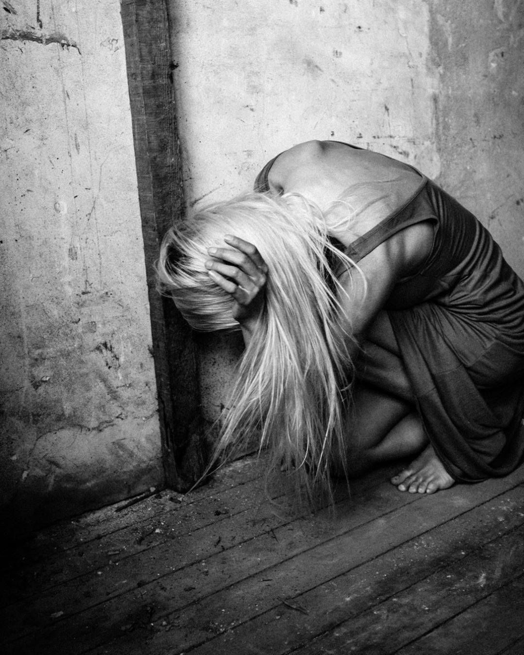 Dark soul @dafnevanderboon #art #woman #modelphotography # ...