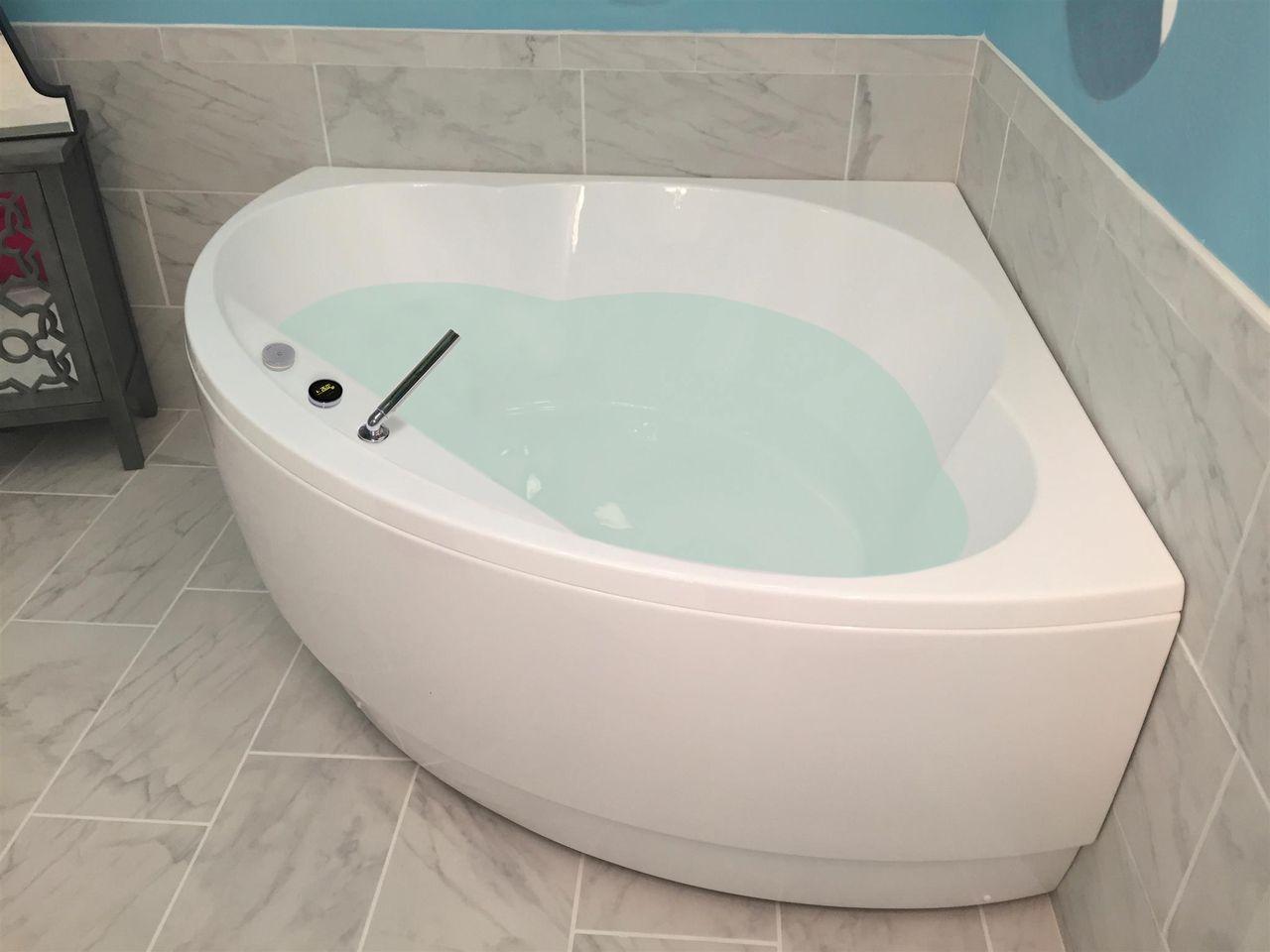 Aquatica Cleopatra Wht Corner Acrylic Bathtub With Images