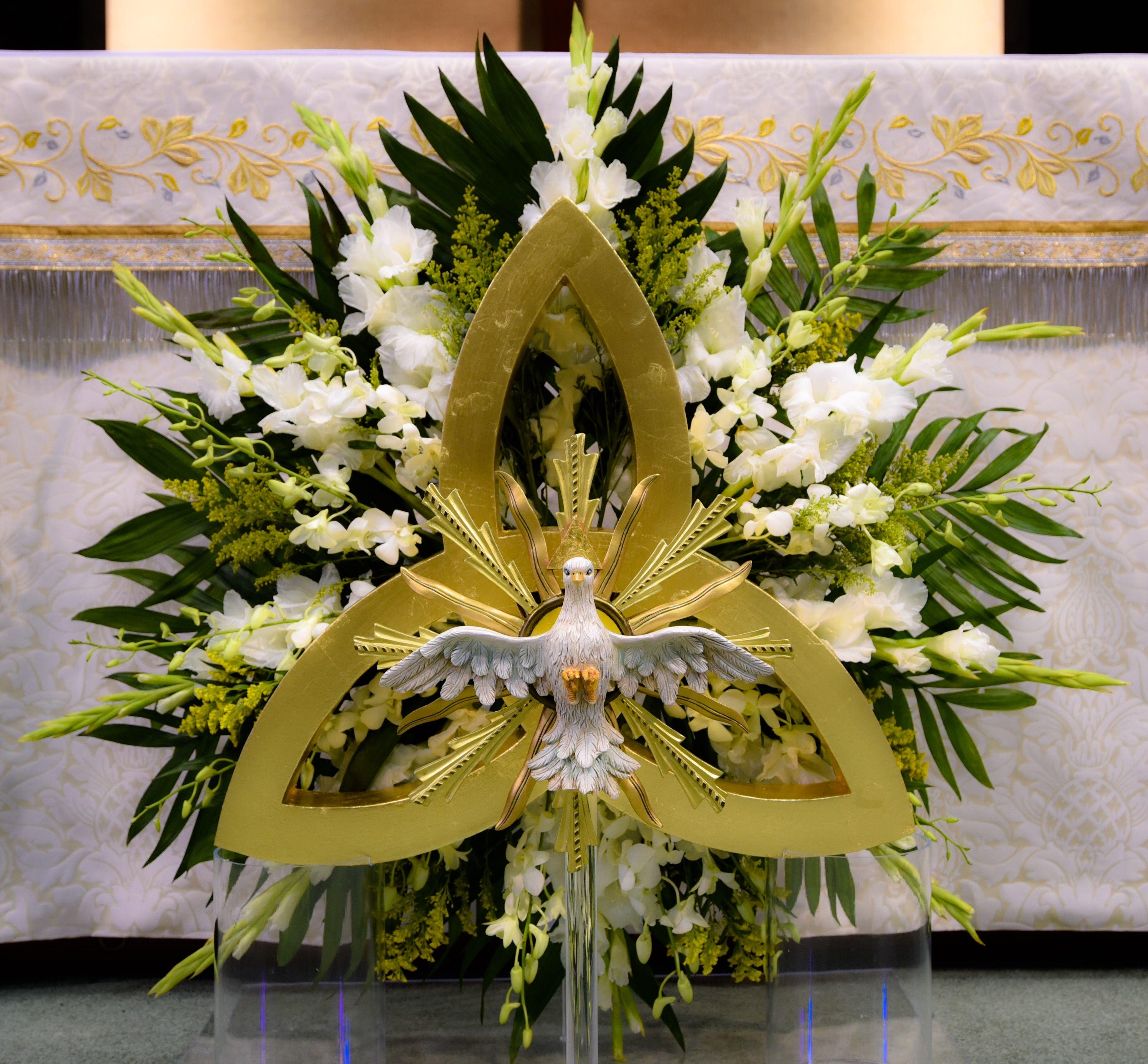 Catholic Wedding Altar Decorations: Feast Of The Holy Trinity. Epiphany Of The Lord Catholic
