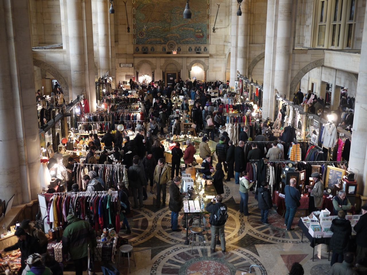 brooklyn flea's winter home ~ i'm sure i can find a lot of great
