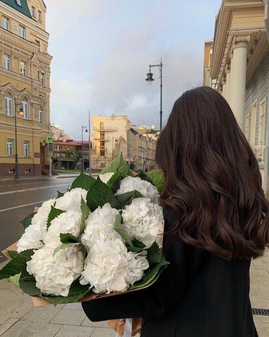 Image about hair in FLOWERS by 𝚉𝙾𝙴 on We Heart It