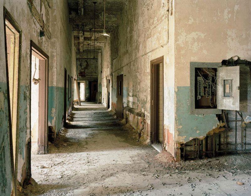 Magazine Christopher Payne's Photographs of Abandoned