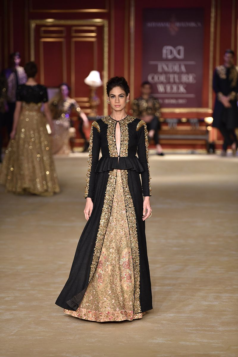 2e6d59be08e1 icw-2017-d3s1b-shyamal-bhumika-runway-068 | Clothes in 2019 | Indian ...
