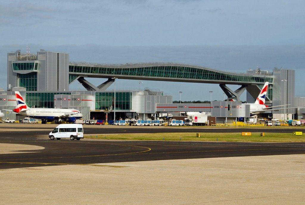 London Gatwick Airport North Terminal Pier 6 Bridge 2005