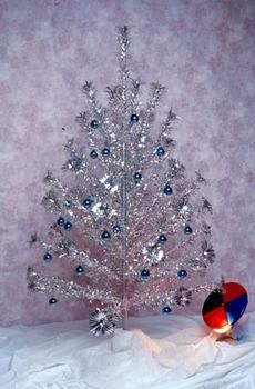 Silver Tin Foil Christmas tree with a rotating color wheel for ...