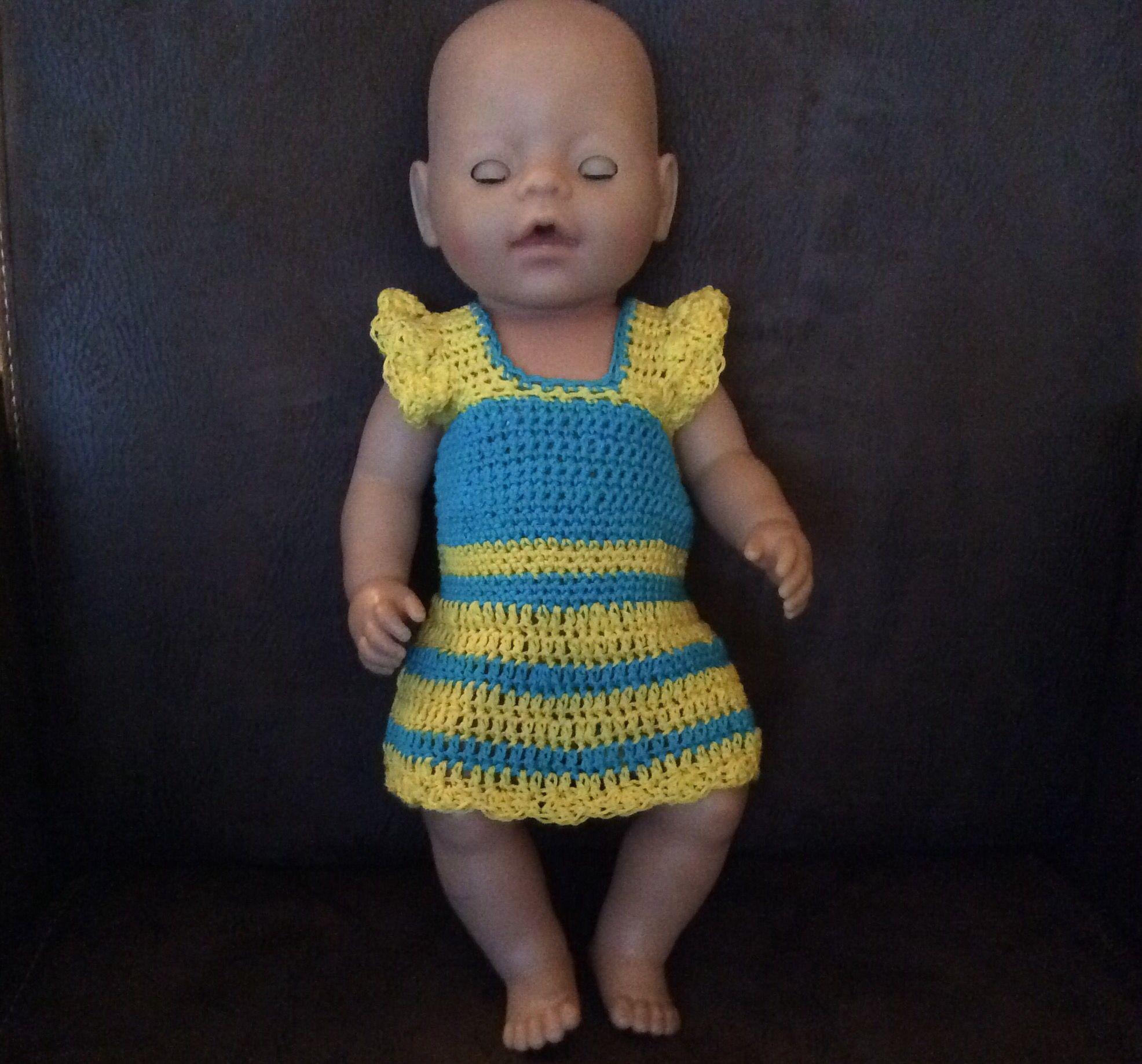 0146325c23033b Babypoppen · Poppenkleertjes · Portemonnees · Fleurig gehaakt jurkje voor baby  born gemaakt op basis van onderstaand patroon. baby born (