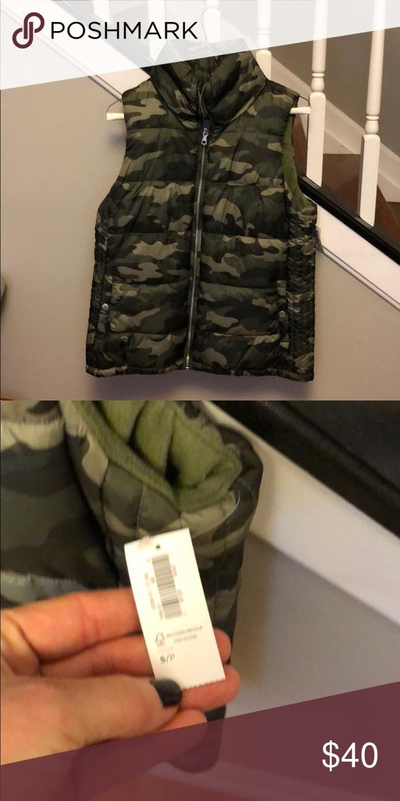 3f6e5514d4a62 NWT camo puffer vest! NWT Camo puffer vest! Old Navy Jackets   Coats Puffers