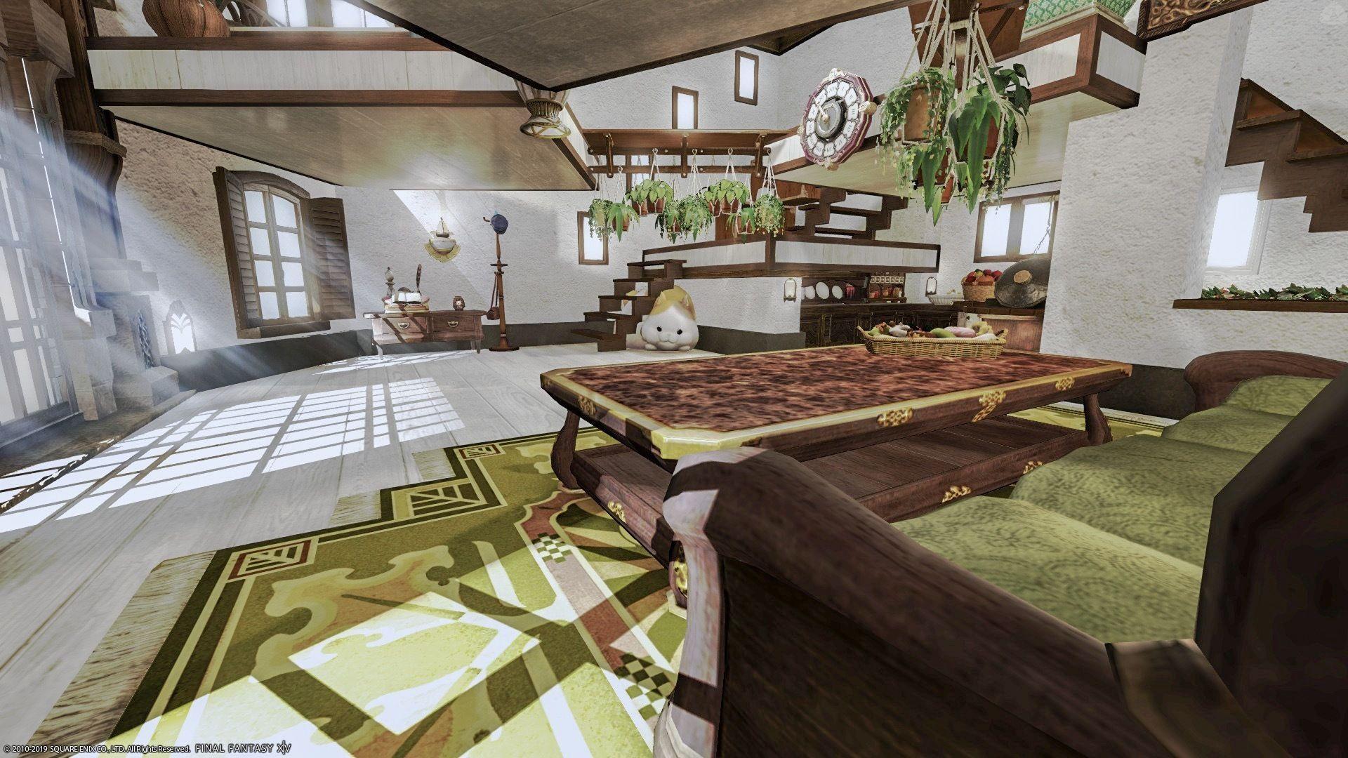 ロフトを三角形に設置し吹き抜け風に設置したので ロフトと壁の隙間から光が差しこむ時があります キッチン横 中二階ロフト下に お皿や調味料類を収納したり 色違いのタイルを2枚重ねて カラートーンを出したりもしてみました ファンタジーハウス 珍しい家