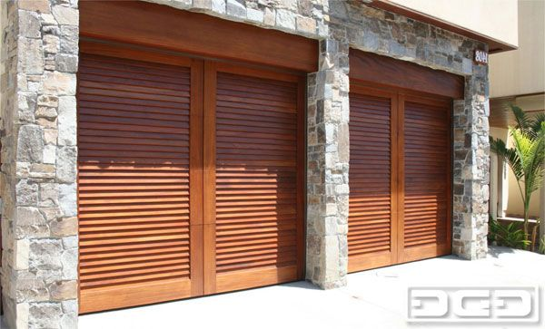Google Image Result for http://dynamicgaragedoor.com/images/custom-garage-doors/mid-century-contemporary/mid-century-door-05.jpg