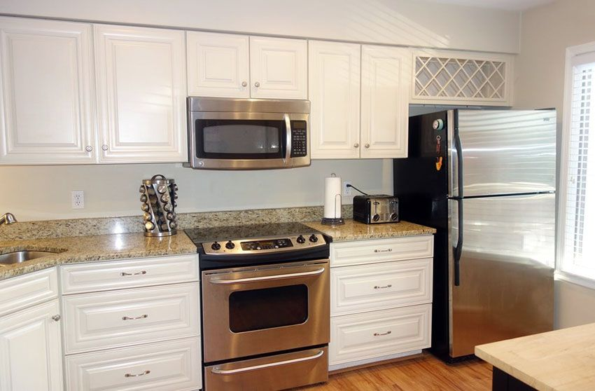 Best White Kitchen Cabinets With Granite Countertops Granite 400 x 300
