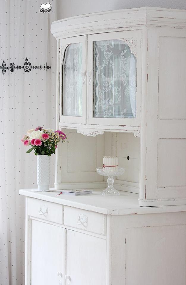 Gardine im Schrank | Shabby Chic | Shabby chic dekoration ...