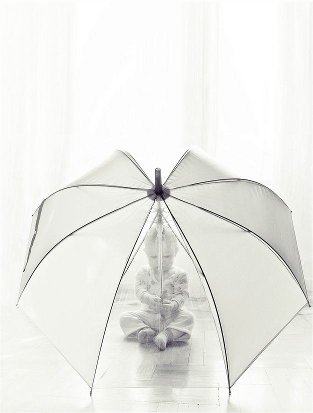 This is just cute.. I definitely need to find a clear umbrella!  (Could be fun for couples/bridal/wedding pics too!) #clearumbrella This is just cute.. I definitely need to find a clear umbrella!  (Could be fun for couples/bridal/wedding pics too!) #clearumbrella
