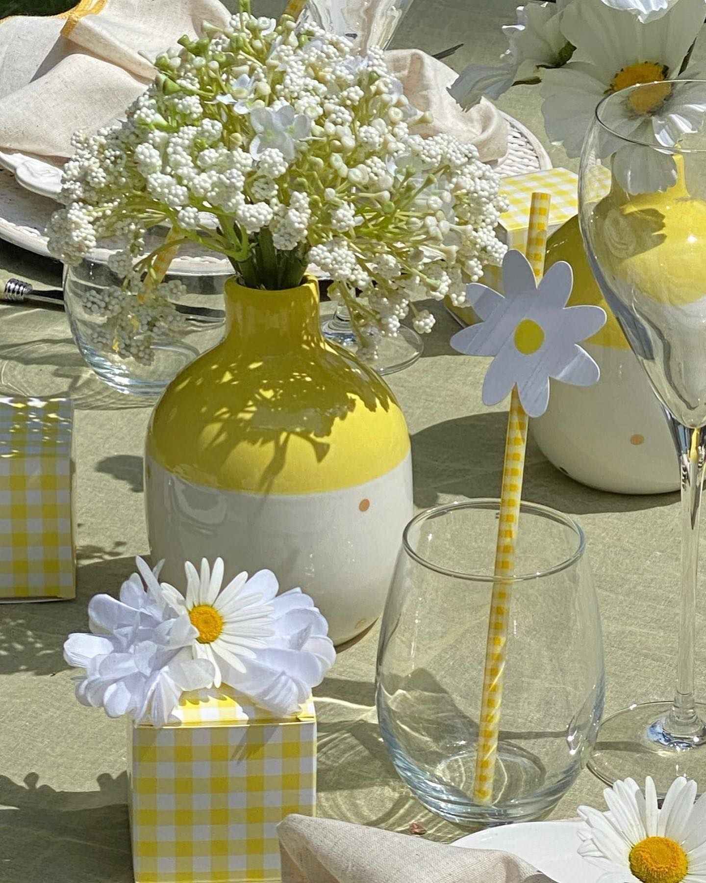 Daisies… sweet… innocent …fresh.! I think the daisies are so full of summer and sunshine. Sunny, summery, girly, happy and lovely! A little table was set to enjoy the weather, the food, the view and the special company. I thought you might enjoy this table too!  Happy Monday! Wish you a wonderful week! ——————————————————-SWIPE LEFT to see more PICTURES and GO to my STORIES to see more DETAILS ——————————————————- #tabledecoration #tabledecor #tabledecorations #tablesettingideas #tableset #tablese