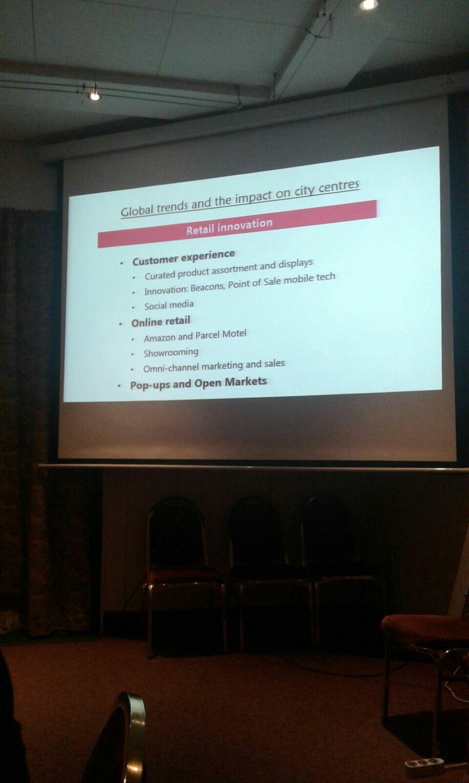 Wessel como Leader Expert informó sobre el proyecto (calendario, fases, ciudades participantes, etc.)