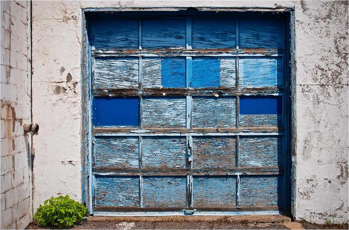 Almost an antique garage door Old Garage, Garage Doors, Garage Door  Company, Antiques - Pin By Linda Buonocore On Texture, Line, Shape And Color Pinterest