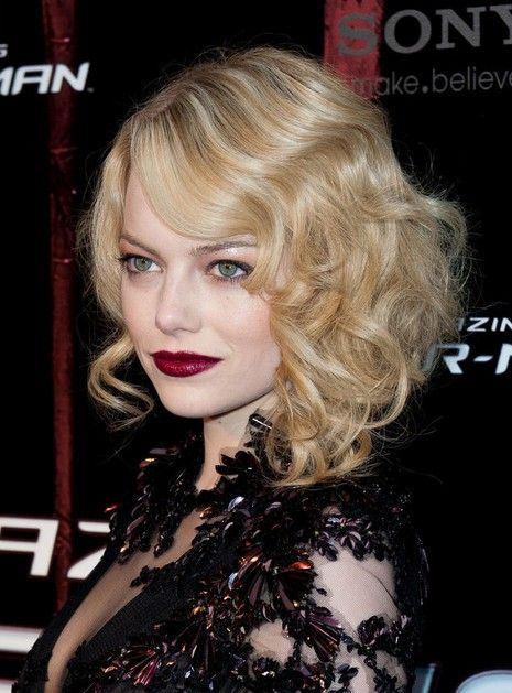 Emma Stone Medium Waves Curly Hairstyles for Prom – PoPular Haircuts