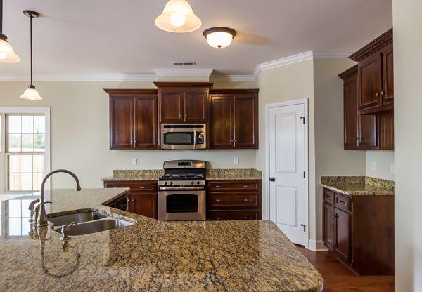 Kitchen w/Granite & Gas Range New Home Huntsville, AL ...