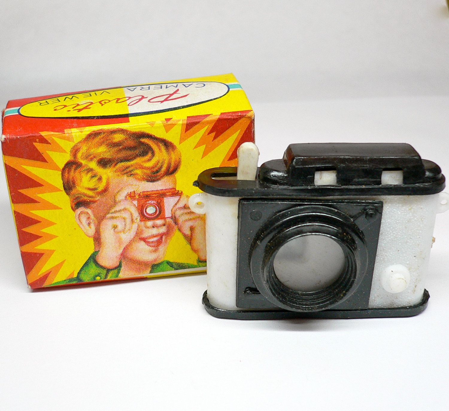 50s Vintage RELIGIOUS CAMERA TOY Tiny Plastic Sixteen