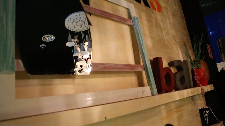 Espejo sobre madera de haya maciza de ConAdeAbril en Etsy https://www.etsy.com/es/listing/242291066/espejo-sobre-madera-de-haya-maciza