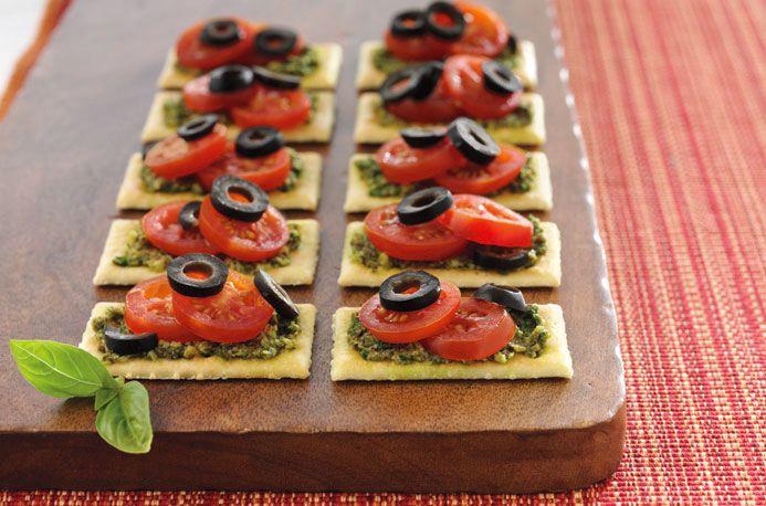Tomato PestoBites