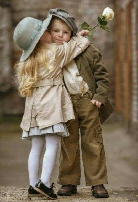 Красивая картинка девочка и мальчик