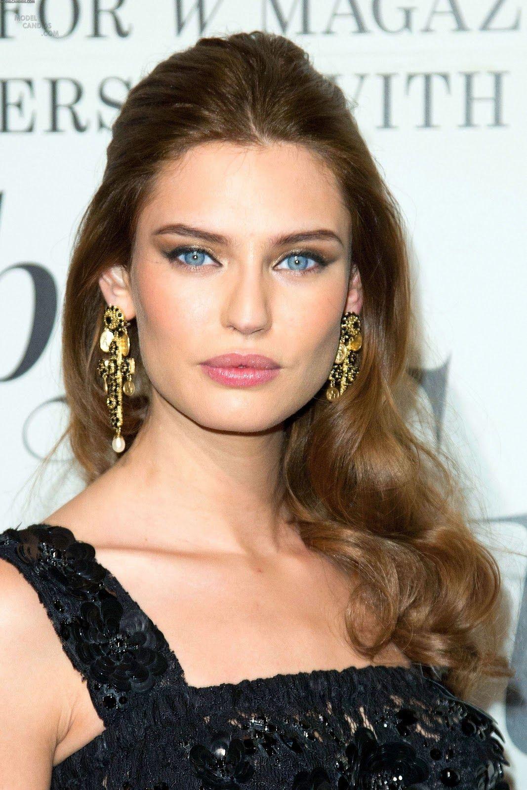 Bianca Balti Wearing Dolce Gabbana Half Updo Hairstyles Italian Hair Long Hair Styles