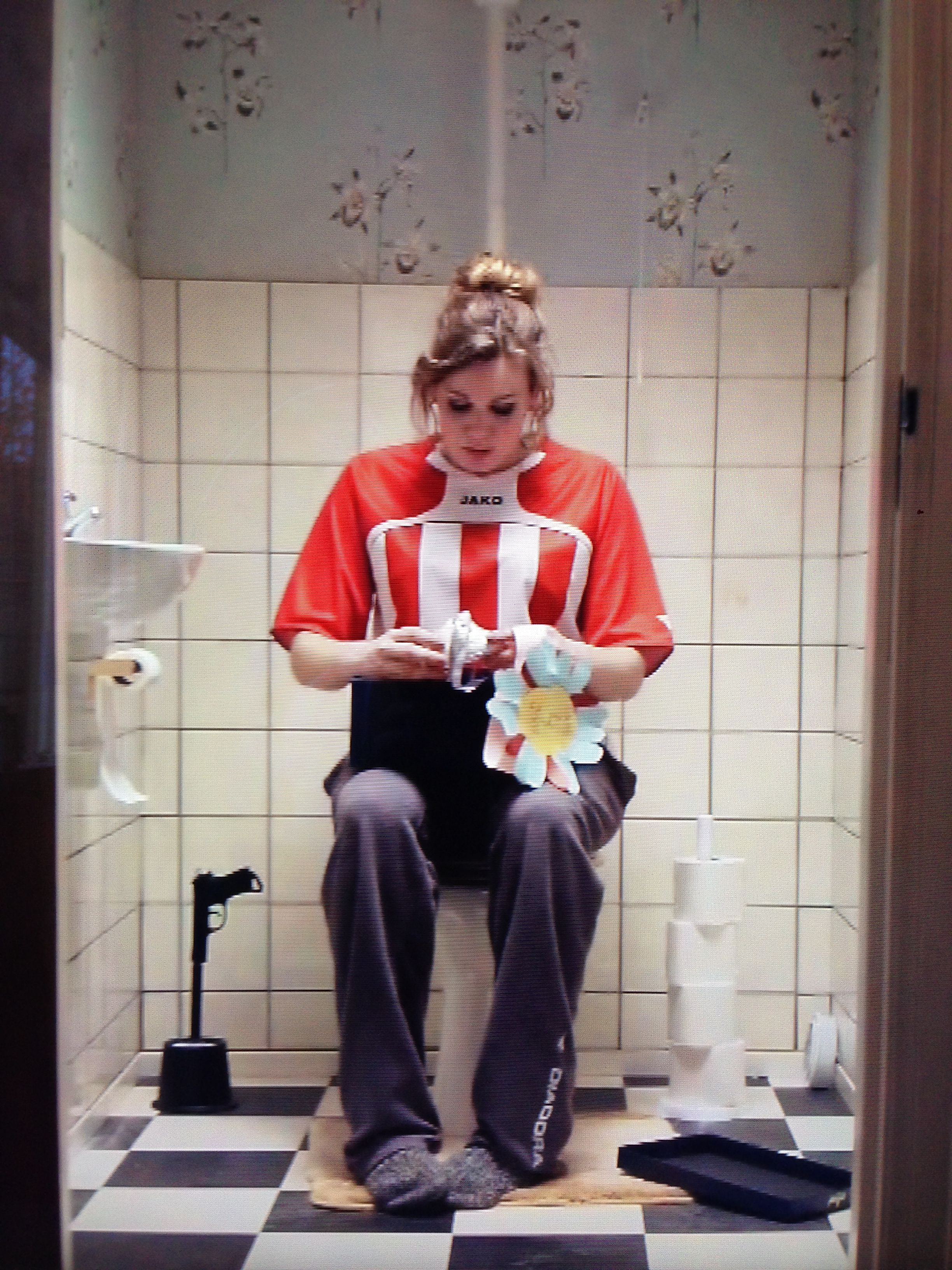 Our Wipe Out Toilet Brush On The Dutch National Television