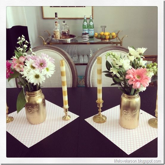 gold spray painted mason jars | DIY | Spray paint mason jars