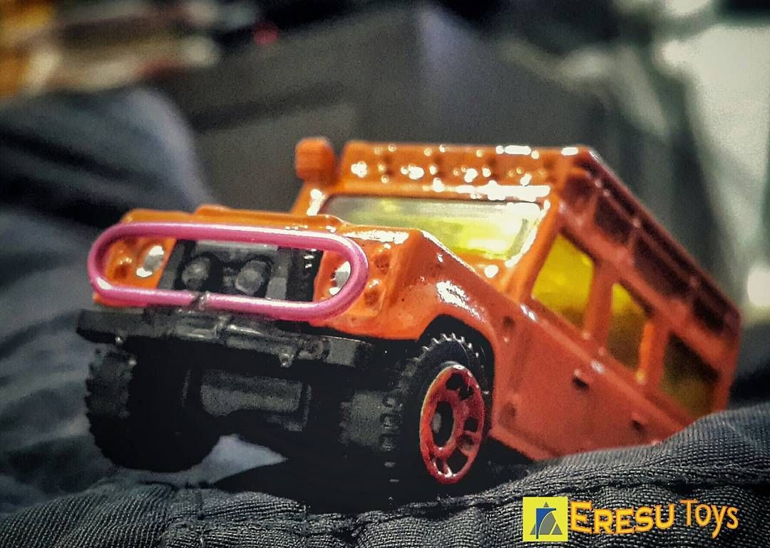 Matchbox Land Rover Defender 110 custom by eresutoys Matchbox Land Rover Defender 110 custom
