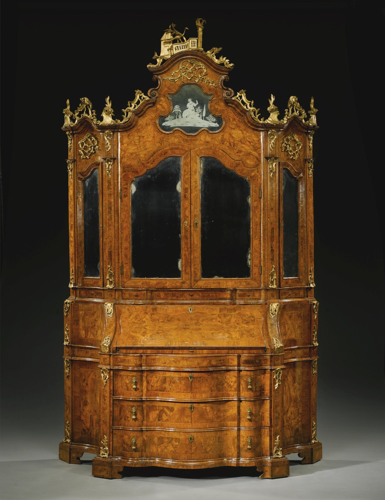 Muebles Italianos Clasicos An Italian Walnut Burr Walnut And Parcel Gilt Bureau