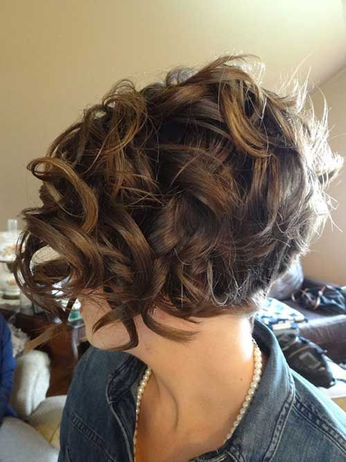 15 Short Haircuts For Curly Thick Hair Best Short Haircuts Kapsels Krullende Kapsels Korte Kapsels Krullen