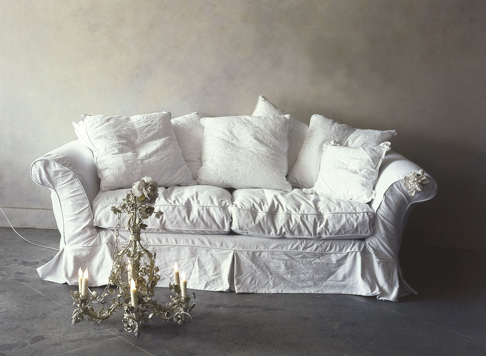 floris sofa, the beauty of imperfection and mushy rumples.
