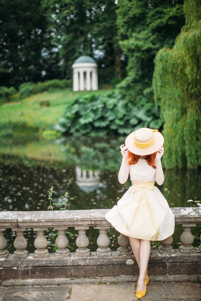 She Loves Vintage Modern Vintage Fashion Girl Photography Vintage Fashion