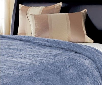 Snuggle Up Under A Heated Blanket Toss One On Top Of Your Bedding Or Cover Up With One While Lounging On The Couch F Electric Blankets Heated Blanket Blanket