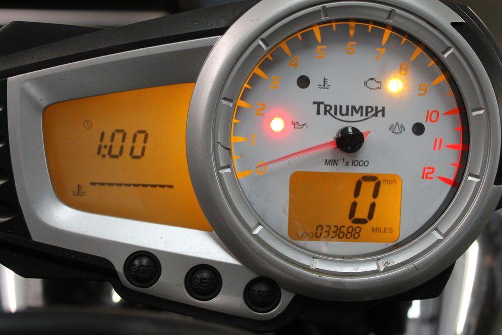 Triumph Speed Triple 1050 Speedometer Gauge Cluster 2009
