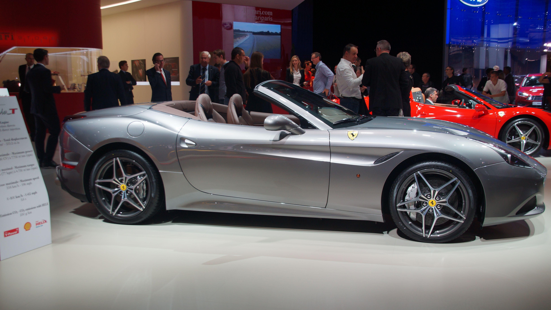 Ferrari California T Paris Show 2012 ©Benoist Lhoni