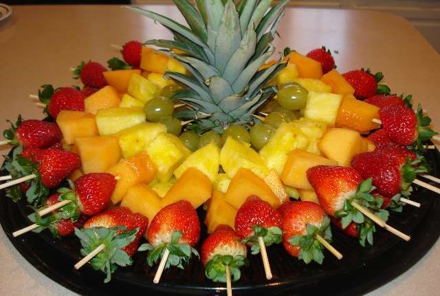 Fruit Tray Ideas For Weddings How To Make A Decorative Fruit Tray For A Wedding Bash Corner Food Food And Drink Recipes