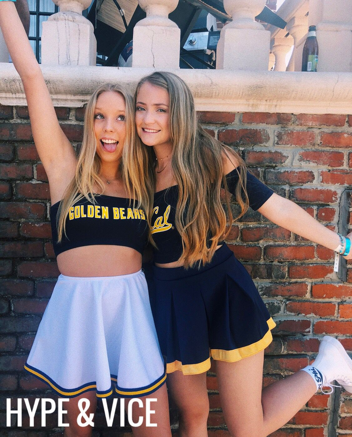 College Blonde, Bears Game, Fine Girls, College Outfits, Sorority, Teen  Fashion