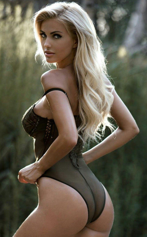 Pics of hot nude girls photos 1
