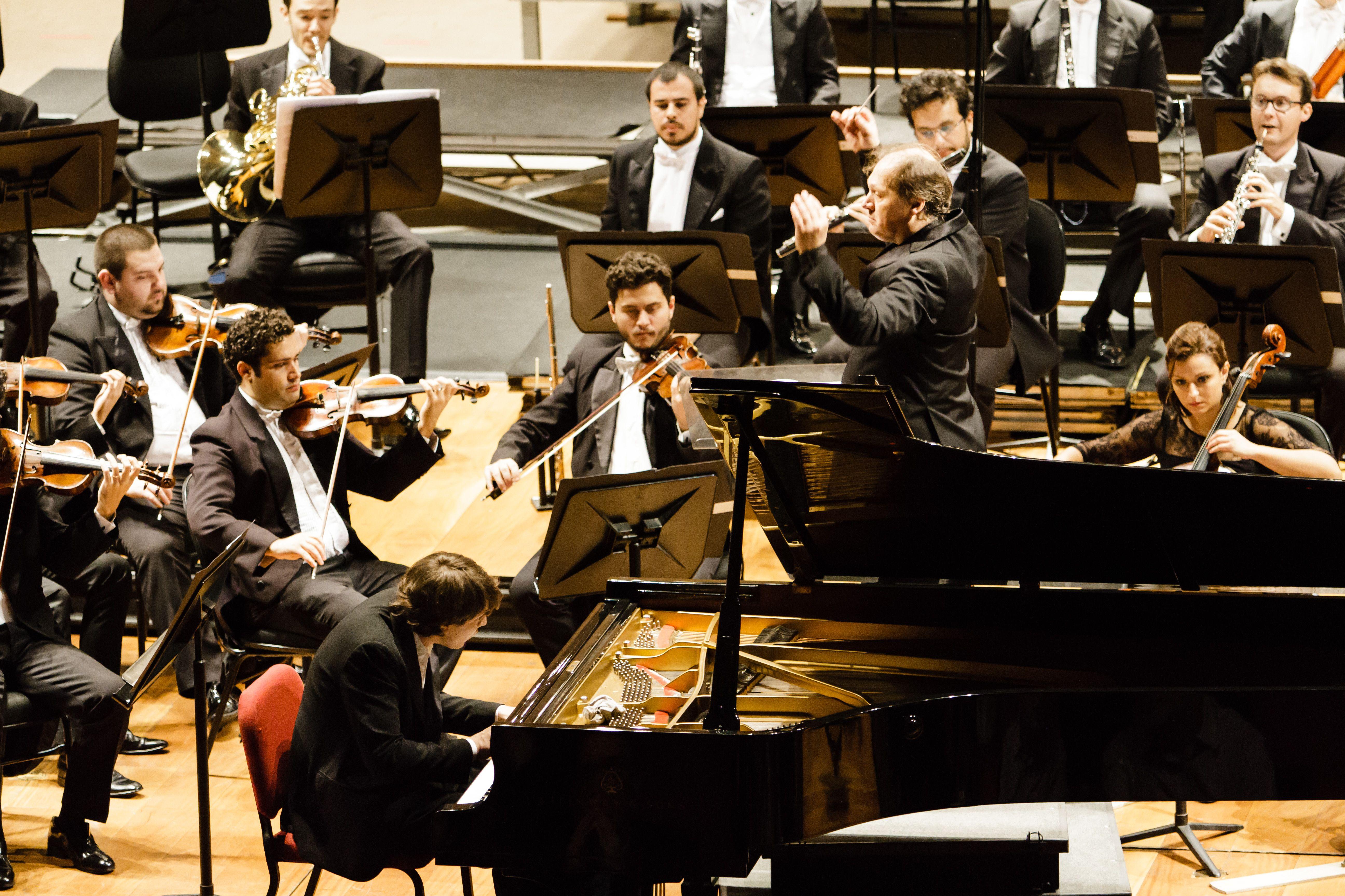 David Fray, piano | Roberto Minczuk, regência - Orquestra Sinfônica Brasileira. Foto: Cicero Rodrigues