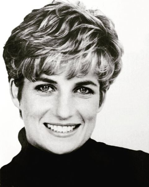 1991: Another portrait of Princess Diana by the French born celebrity photographer Patrick Demarchelier.
