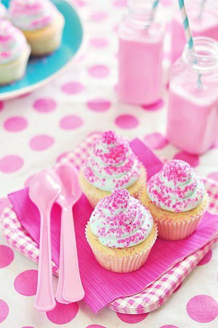Vanilla Dream Cupcakes & Milk