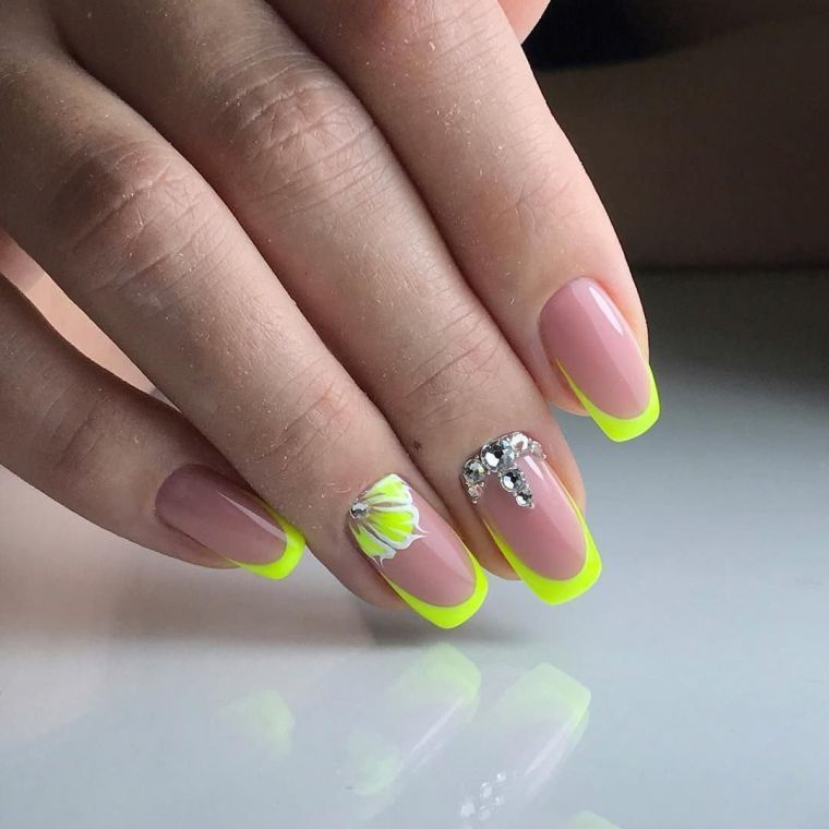 Ongles Gel Decoration French Manucure Jaune Nails And