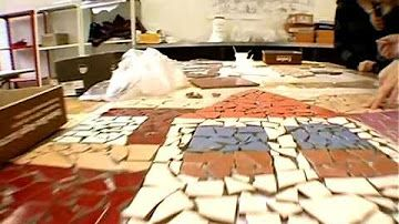 Come si decora un muro con le piastrelle rotte trencadìs a wall